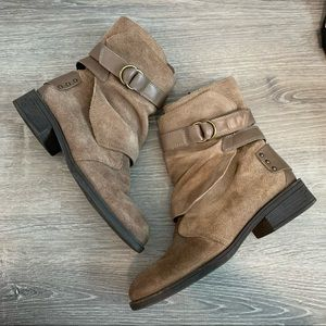 Fergie Beige Suede Leather Manmade Boots